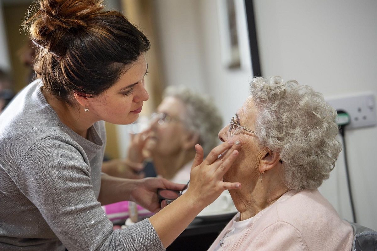care homes oxfordshire